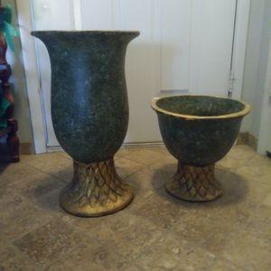 Two matching Ceramic Vases, Flower Pot for Sale in Las Vegas, NV