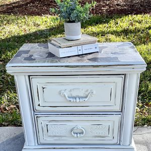 Distressed Nightstand for Sale in Brooksville, FL