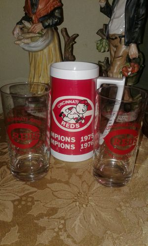1 Cincinnati Reds Mug 75/76 Series Champions & 2 Team Of The 70's Glasses for Sale in Columbus, OH