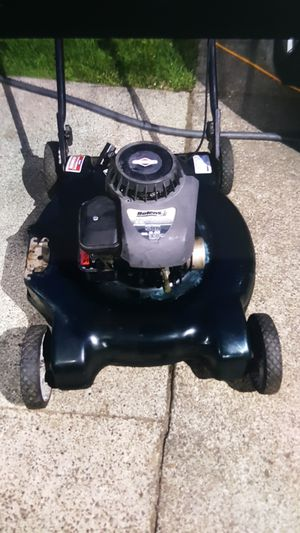 Briggs and Stratton Lawn mower for Sale in Tacoma, WA