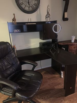 L shaped Desk and leather Oversized Chair for Sale in Spring, TX