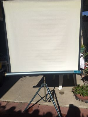 """PROJECTION SCREEN TRIPOD """"RADIANT DELUXE II""""40""""x40"""" (99.00 or Best Offer) for Sale in Tustin, CA"""