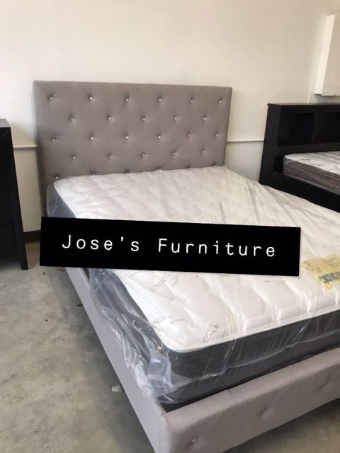 QUEEN SIZE BED MATTRESS INCLUDED