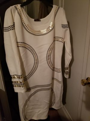 White dress for Sale in Maple Heights, OH