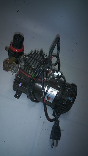 AIRBRUSH AIR COMPRESSOR for Sale in Pittsburgh, PA