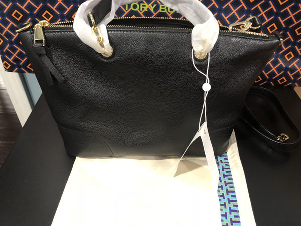 9569d221208a Nwt Tory Burch whipstitch logo small slouchy satchel with dust bag ...
