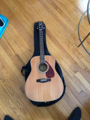 Yamaha F335 Acoustic Guitar Natural for Sale in Boston, MA