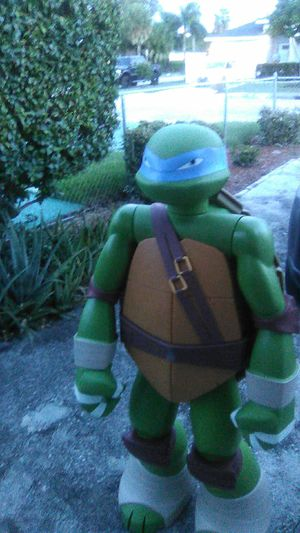 48 in colossal Leonardo Ninja turtle statue for Sale in Plantation, FL