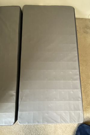 Beautyrest twin XL box spring foundation for Sale in Artesia, CA