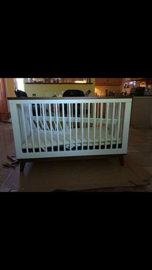 Scoot 3-in-1 Standard Convertible Baby Crib for Sale in Phoenix, AZ