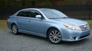 2012 toyota avalon limited expert for Sale in Cayce, SC