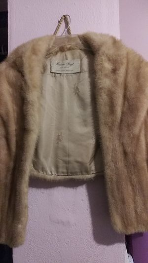 NATURAL MINK STOLE for Sale in Brownsville, TX