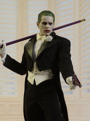 New tuxedo joker hot toys sideshow collectible for Sale in Union Park, FL