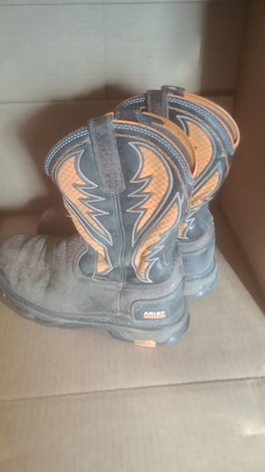 8.5D mens ariat composite toe work boots for Sale in Farmington, IL