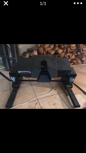 🚨Kwik slide 5th wheel Trailer Hitch $185🚨 for Sale in Clackamas, OR