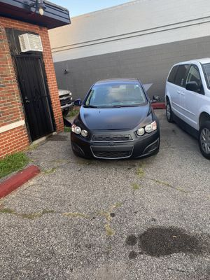 2014 Chevy sonic for Sale in Roseville, MI