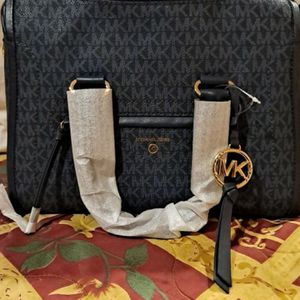 Michael Kors Purse for Sale in Los Angeles, CA
