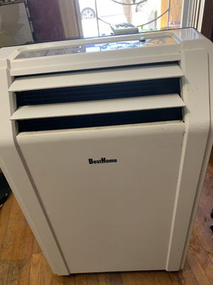 Besthome portable air conditioner 8,100 btu in good working conditions with remote control for Sale in Huntington Park, CA