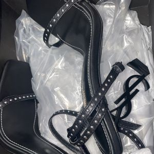 YSL HEELS for Sale in Brooklyn, NY