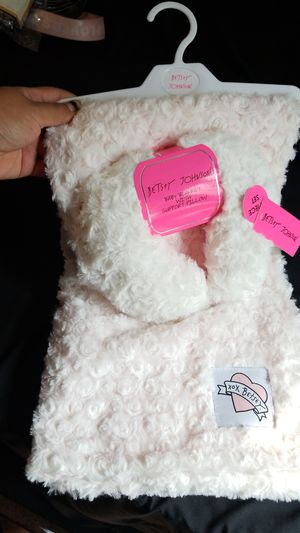 Betsey Johnson baby blanket for Sale in Ontario, CA