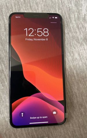 iphone 11 max pro UNLOCKED (Need Gone Asap) for Sale in Washington, DC
