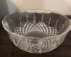 Waterford Crystal bowl with scalloped edges for Sale in Sugar Land, TX