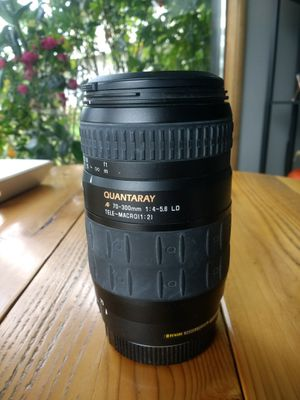 Used Quntarary 70-300mm f/4-5.6 macro lens for Sale in Gig Harbor, WA