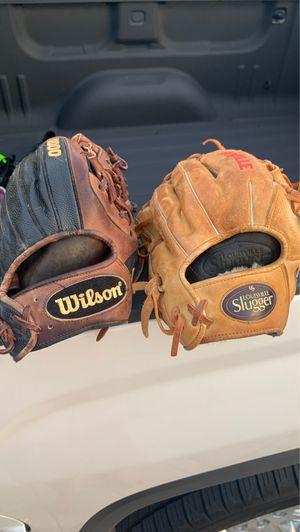 Baseball gloves for Sale in Pembroke Pines, FL