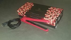 """Royale Classic Pro Ceramic Flat Iron / Hair Straightener (1-1/4"""") for Sale in Tampa, FL"""