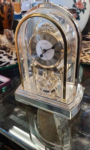 "Rhythm Mantel Clock 10"" for Sale in Garden Grove, CA"
