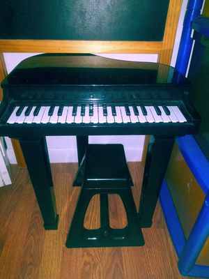 Baby Grand Piano for Sale in West Palm Beach, FL