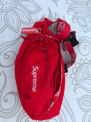 Supreme fanny pack used 3 times for Sale in The Bronx, NY