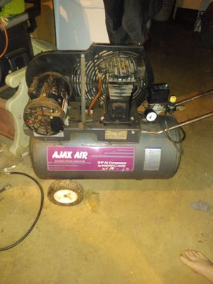 Belt drive air compressor for Sale in Mount Airy, NC