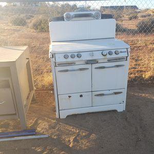 Antique stove for Sale in Hesperia, CA