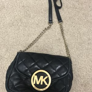 6 Bags,-Coach, Juicy, Michael Kors Bags, Guess, And One Juicy Wallet -ALL AUTHENTIC for Sale in Visalia, CA
