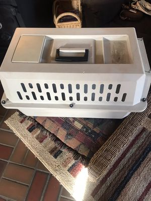 Pet taxi for small to S/M dog or a cat. Clean. Intact. for Sale in Rapid City, SD
