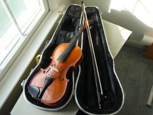 International Strings Violin 1/2 size for Sale in Fallston, MD