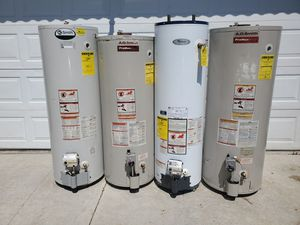 Water heaters in excellent condition with professional installation for Sale in Phillips Ranch, CA