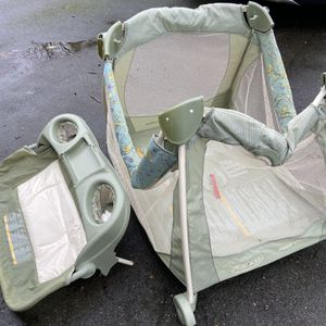 Portable Baby Play Pen for Sale in Lynnwood, WA