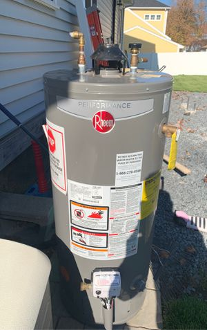 Hot water heater 30gallon for Sale in Braintree, MA