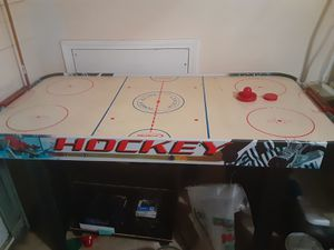 Air hockey table for Sale in Kennesaw, GA