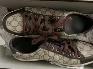 Gucci men's shoes brown ***Low offers will automatically be bypassed*** for Sale in Moreno Valley, CA