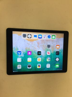 Apple ipad mini 2 32gb wifi black with charger good condition for Sale in Houston, TX