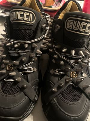 Gucci shoes 9/ half - 10 for Sale in Atlanta, GA