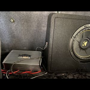 Boss Amp And 8in Subwoofer for Sale in Federal Way, WA