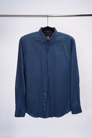 Van Huesen Formal Dress Shirt for Sale in Chicago, IL