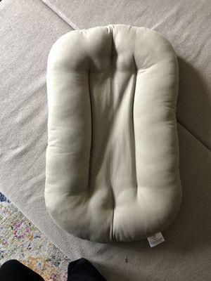 Snuggle Me Organic Newborn Lounger and Cover for Sale in Tampa, FL