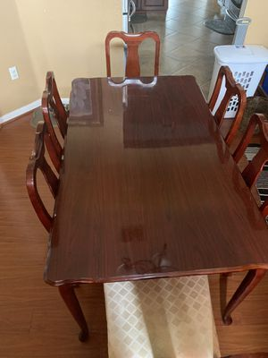 Table and Chairs (best offer) for Sale in Cypress Gardens, FL
