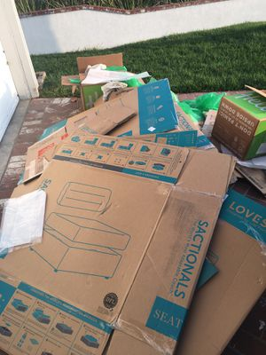 Free Moving supplies for Sale in Los Alamitos, CA