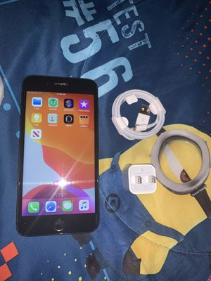 IPHONE 7 plus 32gb Factory unlocked for Sale in Henderson, NV